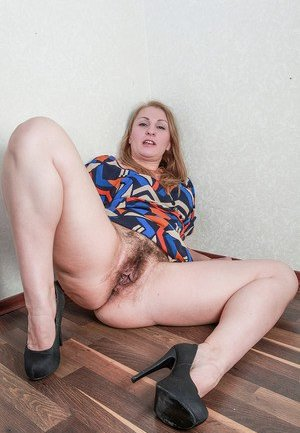 Real amateur nude milf lesbian