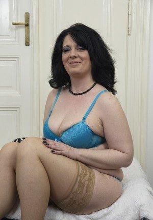 Mature anal busty tgp